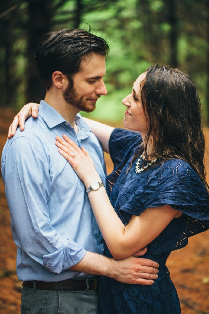 Couple in rain for their Virginia Engagement