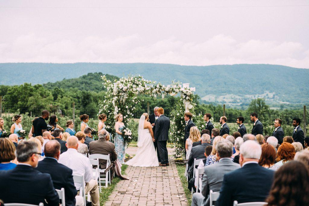doe creek farm wedding
