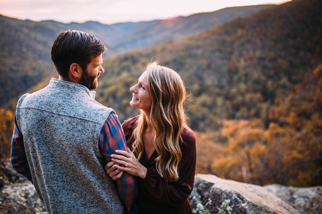 20 minute cliffs overlook engagement session